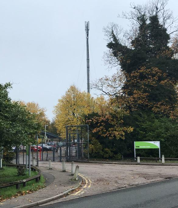 Temporary mast: The structure in Church Lane