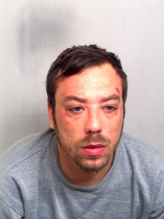 Arsonist who puts live at risk jailed