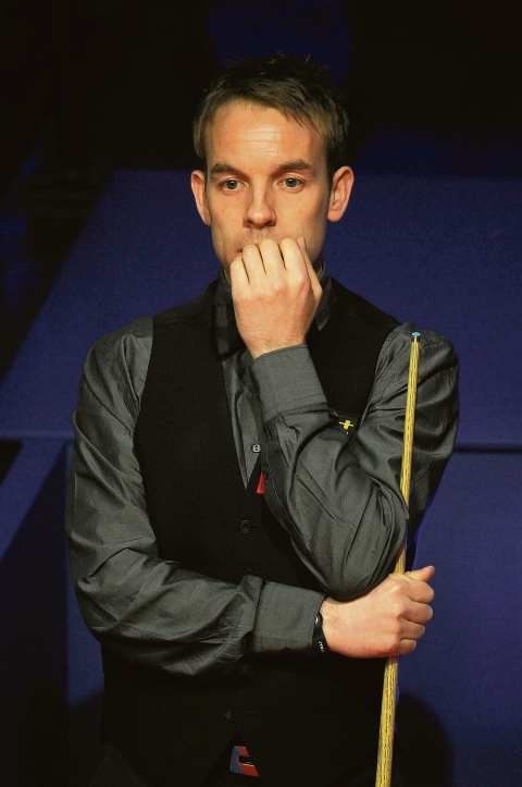 Snooker star Carter diagnosed with testicular cancer