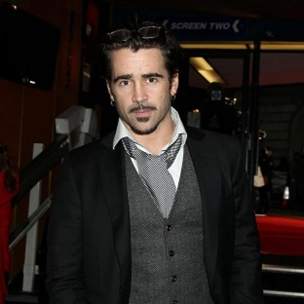 Colin Farrell was uncomfortable kissing Kate Beckinsale in front of her husband