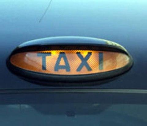 "Cab drivers label council refund system ""unrealistic"" after administrative blunder"