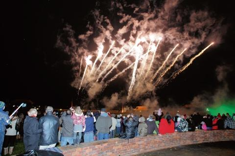 Gazette: Maldon: Town's fireworks show to go with a big bang