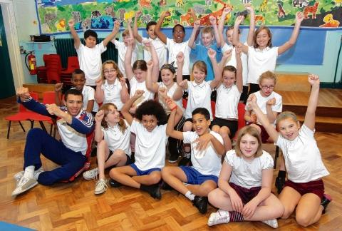 Judo star Lee Shinkin meets pupils at North Primary School