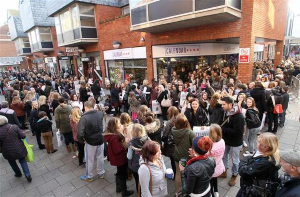 Around 1,000 people queued to meet Joey Essex from TOWIE.