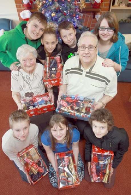 Youth group plays Santa in Tiptree
