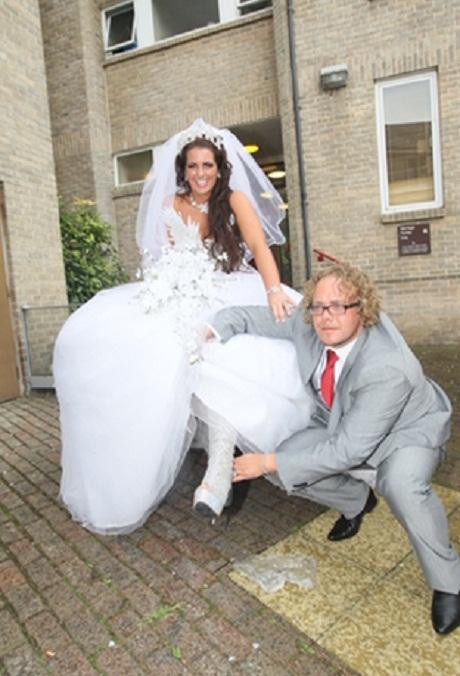 Gypsy Wedding star evicted from barbers (From Gazette)