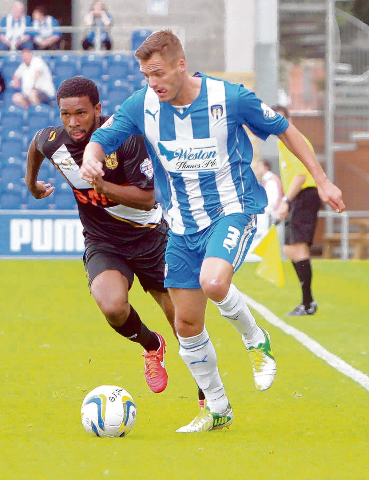 Back in the fold - Ryan Dickson is expected to return to Colchester United's starting line-up for their game against Leyton Orient tomorrow. Picture: NIGEL BROWN (CO82080-05)