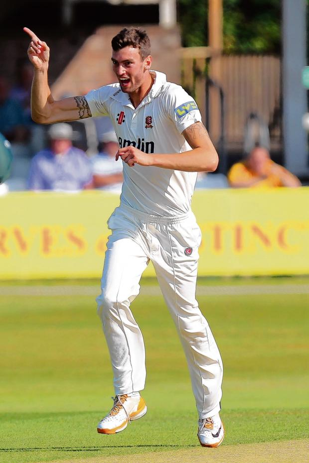 Gazette: Topley signs Essex contract extension