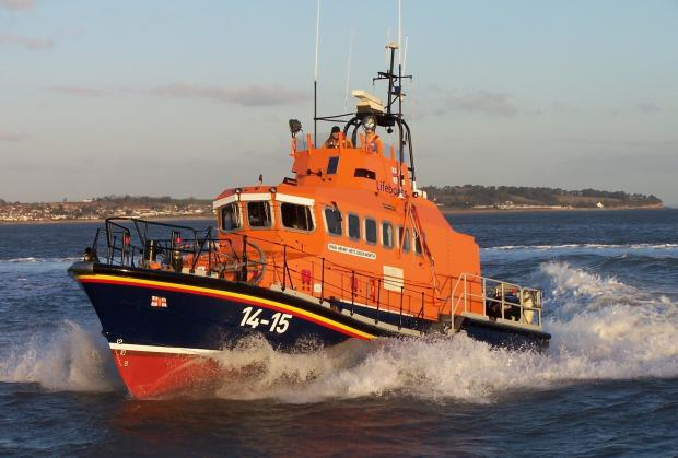 Lifeboat pulls stranded yacht to safety