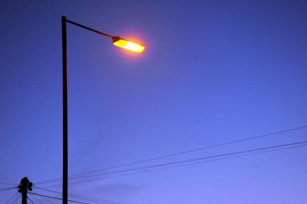 Support gathers for street light switch-off u-turn
