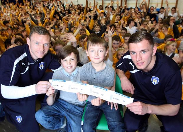 Gazette: Brothers who were hit by a car outside school visited by U's players