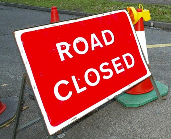 Fallen tree closes Maldon Road