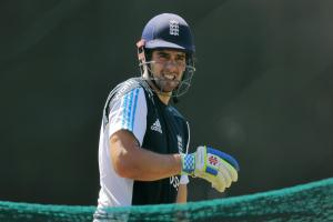 James Anderson backs decision to drop Alastair Cook as England one-day cricket captain