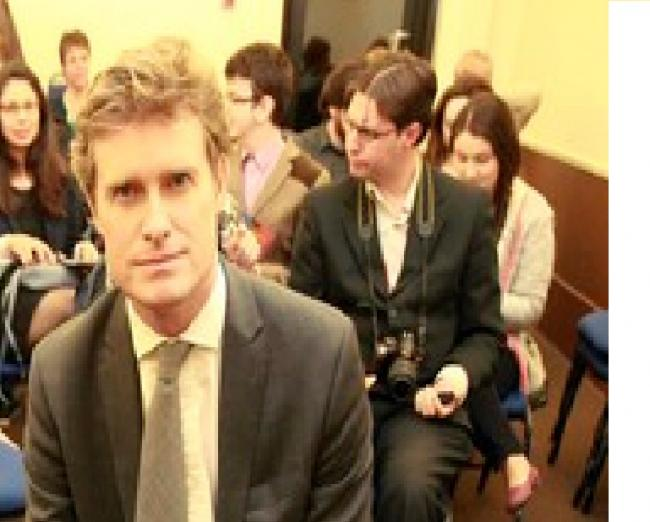 Tristram Hunt shows  his support for Liz Kendall