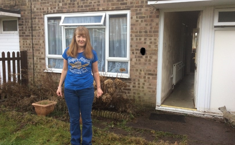 Burst pipe causes house to flood in Colchester & Residents frantically bail floodwater out of their homes in ...
