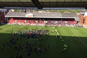 Colchester United game at Leyton Orient is abandoned because of fan protest