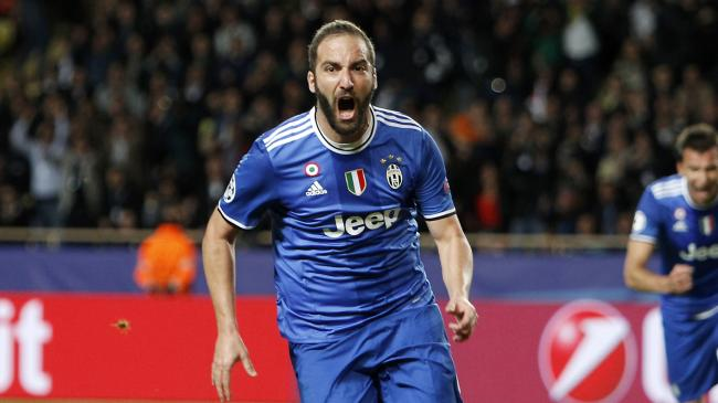 022cacc23 Giorgio Chiellini rates Juventus team-mate Gonzalo Higuain as one of the  best