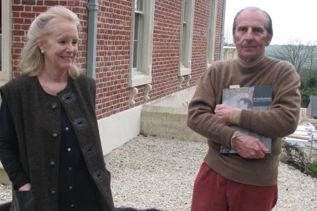 Susie and Esmond Bulmer outside their home (Aleisha Scott/PA)