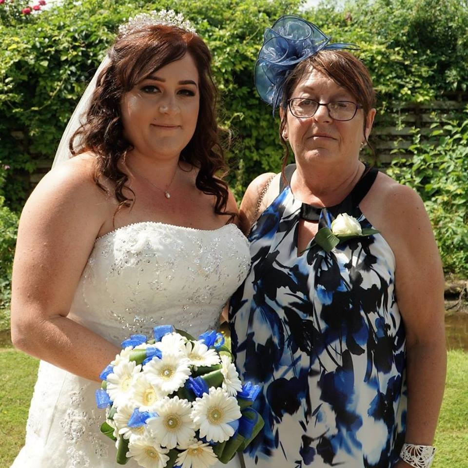 Family - Jade Horne on her wedding day with mum Susan Meadows