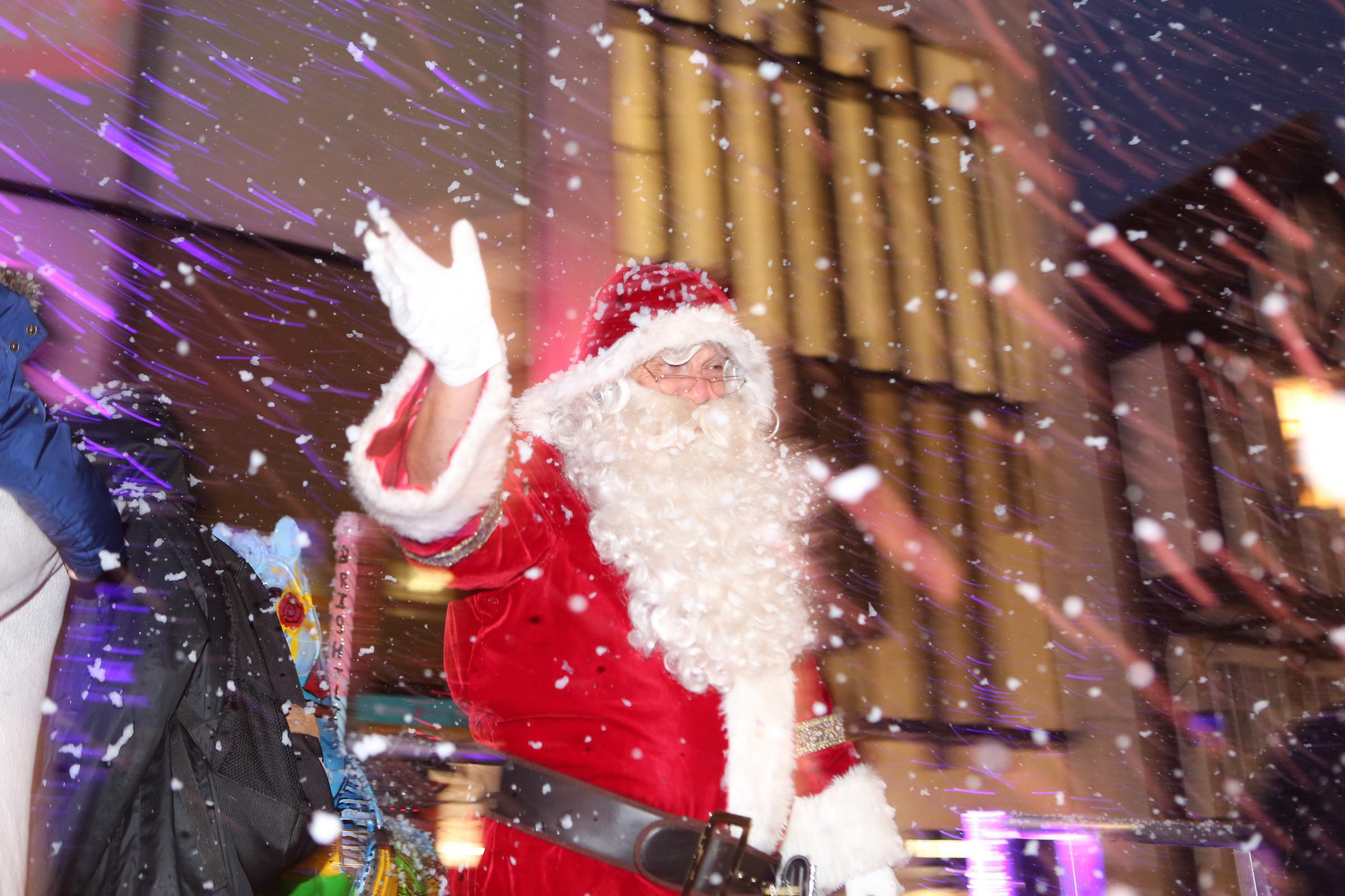 Turning on of Colchester Xmas lights on Sunday with Santa.26/11/2017.