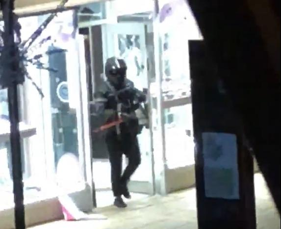 Brazen thieves caught on camera raiding Colchester jewellers